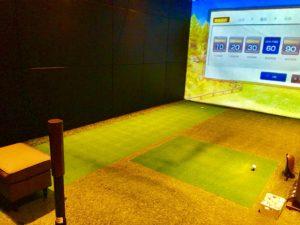 ライザップゴルフ 個室練習場1